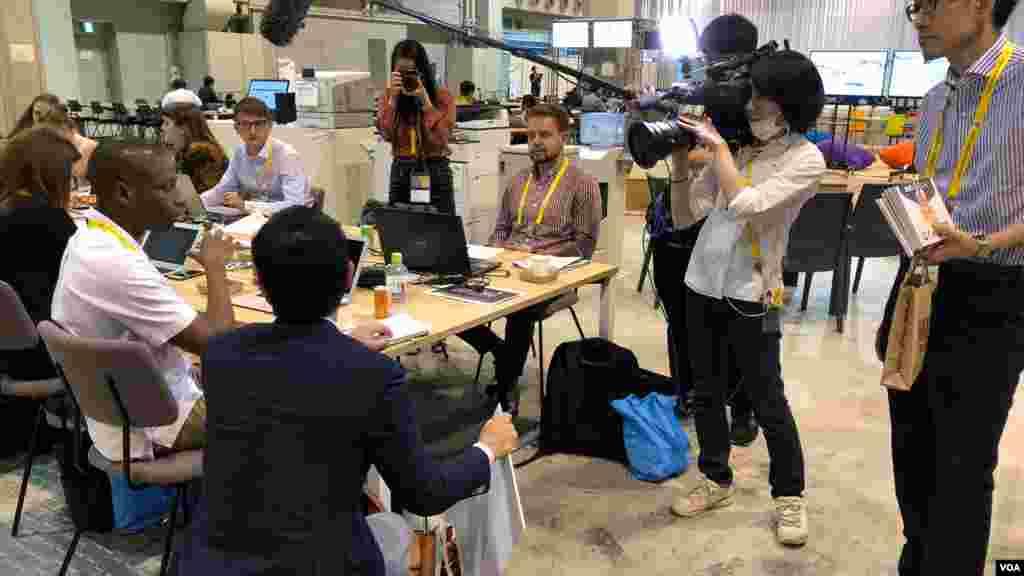 شهر اوزاکا در ژاپن برای نشست رهبران گروه ۲۰ آماده میشود - چند هزار خبرنگار برای پوشش خبری این نشست حضور دارند.