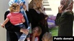 زنان حامله و دختربچه های عراقی که با حمله داعش آواره شده اند