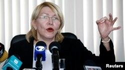 La exfiscal de Venezuela Luisa Ortega dice que compartió con EE.UU. información sobre corrupción entre funcionarios del presidente Nicolás Maduro.