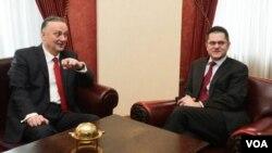 Menteri Luar Negeri Serbia Vuk Jeremic bertemu Menlu Serbia Zlatko Lagumdžija di Beograd, Serbia (14/3).
