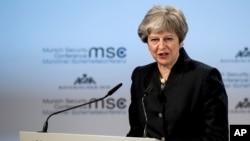 Perdana Menteri Inggris Theresa May di Munich, Jerman, 17 Februari 2018. (Foto: dok).