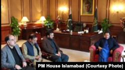 طاہر داوڑ کے بھائیوں کی وزیر اعظم عمران خان سے ملاقات