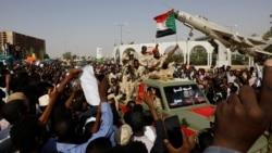 La transition militaire au Soudan face à la pression populaire