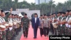 Presiden Joko Widodo saat menghadiri acara buka puasa bersama TNI dan Polri di lapangan Monas, Jakarta, Kamis (16/5/2019). (Foto: Setneg RI)