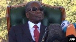 UMnu. Robert Mugabe ekhuluma lentathelizindaba eHarare ngeSonto.