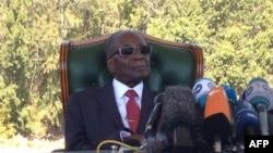 """""""Não voto por aqueles que me atormentaram"""" - Robert Mugabe"""