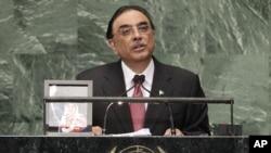 پاکستان کے صدر آصف علی زرداری اقوامِ متحدہ کی جنرل اسمبلی سے خطاب کر رہے ہیں