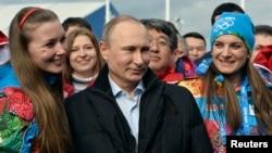 Uzmanlar Soçi olimpiyatlarının barışçı bir ortamda geçmesini sağlamak için Putin'in bütün gücünü ortaya koyduğuna inanıyor.