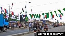 Bendera za vyama vya kisiasa katika barabara kuelekea Jangwani Dar es Salaam