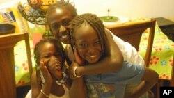 Cerca de 100 a 140 milhões de raparigas e mulheres vivem as consequências da circuncisão feminina