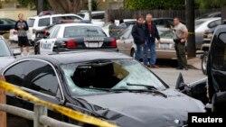Le véhicule du tueur dans le quartier d'Isla Vista à Santa Barbara