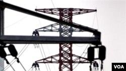 Pemerintah diminta untuk membenahi infrastruktur agar daya saing Indonesia semakin meningkat. Salah satunya adalah penciptaan tenaga listrik.