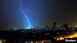 La caída de rayos en Ia India es común en la temporada de lluvias, entre junio y septiembre.