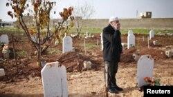 Suriyadagi urushda uch o'g'li va ikki nevarasidan ayrilgan, 70 yoshli Abdlhamid Haj Omar. Shimoliy Halab, 25-dekabr.