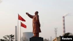 Tư liệu: Một bức tượng Mao Trạch Đông ở tỉnh Hồ Bắc. Ảnh chụp ngày 6/3/2013.