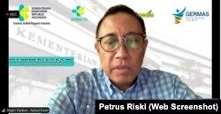 Direktur Jenderal Pelayanan Kesehatan, Kementerian Kesehatan RI, Abdul Kadir (VOA/Petrus Riski).