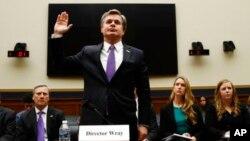El director del FBI, Christopher Wray, al inicio de su testimonio ante la Comisión Judicial de la Cámara de Representantes. Washington, 7 de diciembre de 2017.