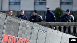 Des policiers à Nantes, le 19 mars 2018.