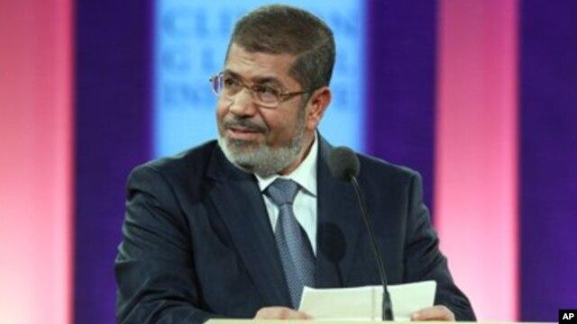 Presiden Mesir Mohammed Morsi menyerukan pemilu legislatif 24 April mendatang (foto: dok).