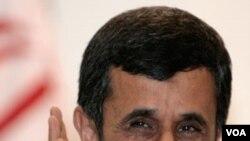 Ahmadinejad también criticó a Rusia por su apoyo a una medida de Estados Unidos que censura a Teherán.