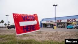 Yon biwo vòt nan Laredo, Texas, Etazini. 3 mas 2020. Foto: REUTERS/Veronica Cardenas - RC2ECF9V10VP