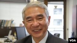 日本防卫监理研究所所长山内敏秀认为,日本不参加南中国海巡逻主要是顾忌中国(美国之音歌篮拍摄)