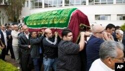 肯尼亚民众悼念首都商厦遇袭事件死难者