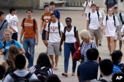 """FILE - At the University of Texas in Austin, a campus that was once slow to integrate, the student body, like the state, is """"majority-minority."""""""
