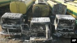 اب تک سوسے زائد ٹرکوں اور آئل ٹینکروں کونذرآتش کیا جاچکا ہے