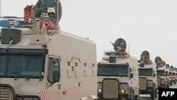 Hình ảnh trên truyền hình cho thấy 200 xe quân sự của Ả Rập Xê Út tiến vào Bahrain hôm 14/3/2011