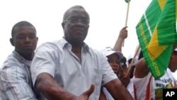 Manuel Pinto da Costa em campanha eleitoral (arquivo)