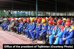 Tajik President Emomali Rahmon meets with leaders and experts of the Rogun hydroelectric power plant and residents of the city, Oct. 29, 2016. 29.10.2016