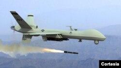 EE.UU. lanzó su primer ataque con drones en octubre de 2001, el cual falló en alcanzar su objetivo: el líder talibán Mullah Omar en Kandahar, Afganistán.
