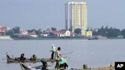 湄公河流經泰國﹑老撾﹐柬埔寨和越南等國家