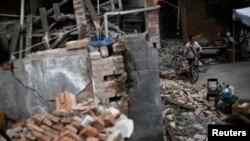 4月22日,四川省雅安市芦山县地震后的景象
