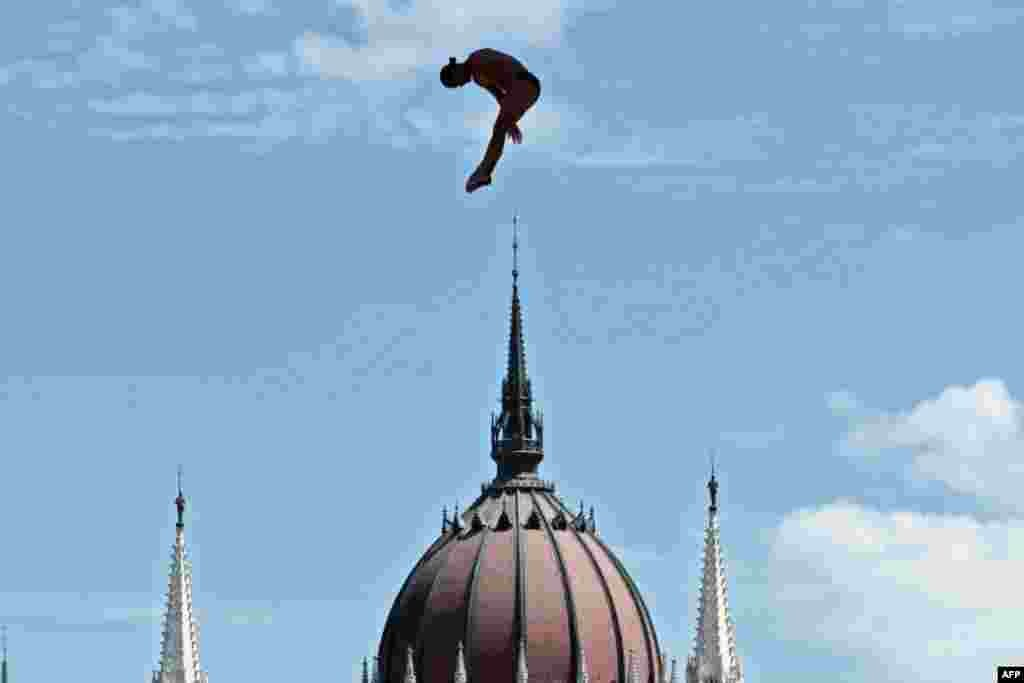 Columbia's Orlando Duque competes in round 3 of the men's High Diving competition at the 2017 FINA World Championships in Budapest, Hungary.