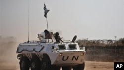 walinda amani wa umoja wa mataifa wakifanya doria katika mji wa Abyei