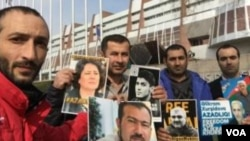 Musavat AKM Strasburqda Avropa Şurasının binası qarşısında siyasi məhbuslara azadlıq tələb edir.