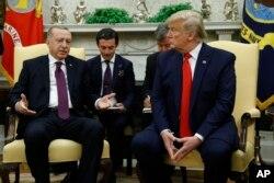 AQSh va Turkiya rahbarlarining 13-noyabr kuni Oq uydagi uchrashuvi tanglikka barham bermadi