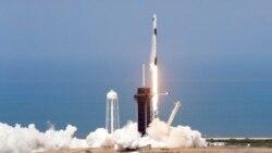 အေမရိကန္ အာကာသယာဥ္မွဴးေတြ ပုဂၢလိကပိုင္ အာကာသယာဥ္သံုးတဲ့ သမိုင္း၀င္ခရီးစဥ္ စတင္
