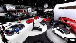 Shenja të rimëkëmbjes në panairin e makinave amerikane në Detroit