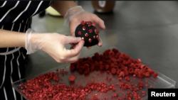 Coronavirus-Shaped Cake