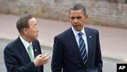 G-8 정상회담 중 오바마 대통령과 의견을 나누는 반기문 사무총장(좌)