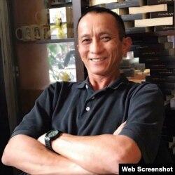 """Ông Dominic Phạm, cư dân thành phố Westminster của California, nói ông bị cấm nhập cảnh vì """"Hà Nội sợ gây rắc rối cho APEC."""" (Ảnh chụp từ Facebook Dominic Phạm)"""