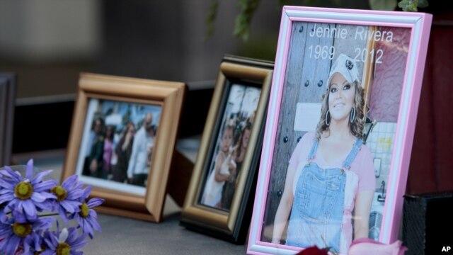 Jenni Rivera Enterprises ha sido demandada por las familias de las otras cuatro victimas del accidente áereo.