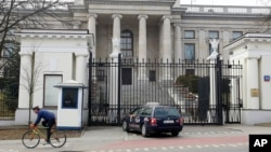 Здание российского посольства в Варшаве, Польша (архивное фото)