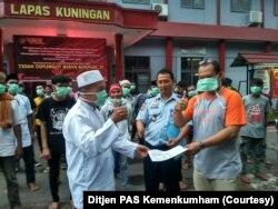 Pembebasan di Ular Kuningan, Jawa Barat. (Foto: DG PAS Kemenkumham)