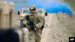 سربازان امریکایی از بیش از ۱۵ سال به اینسو در افغانستان حضور دارند.