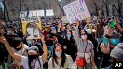 Warga di New York, AS menuntut dihentikannya kejahatan kebencian terhadap orang Asia (foto: ilustrasi).