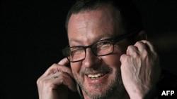 "Lars fon Trir na konfenciji za novinare povodom filma ""Melanholija"", na 64. filmskom festivalu u Kanu."